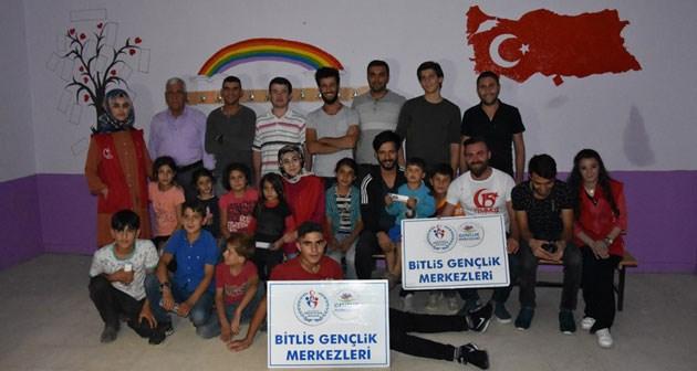 Bitlis Genclik Merkezi Tarafindan Koy Okullarina Boyama Etkinligi